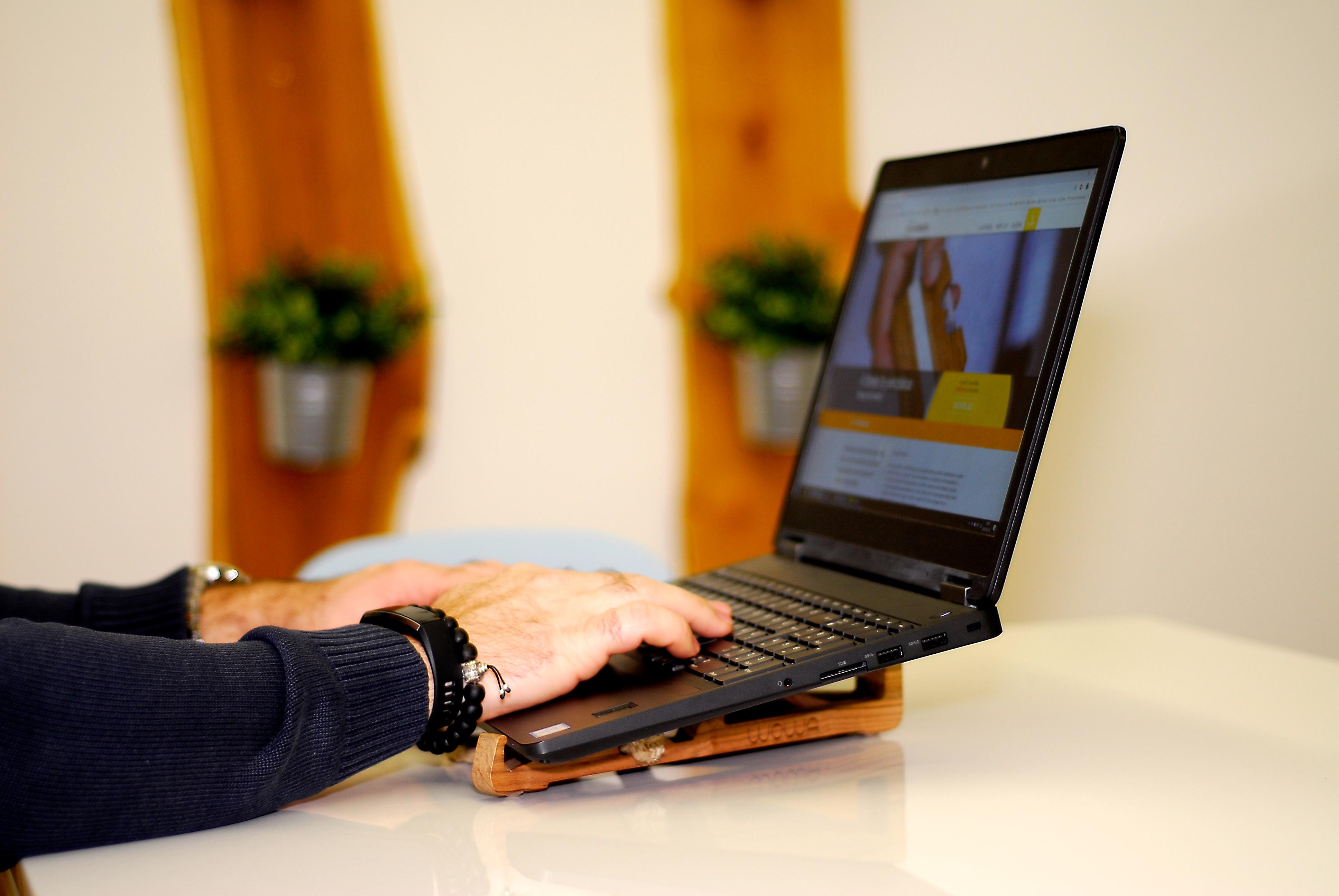 WOWA Laptop tartó, termékfotó 1